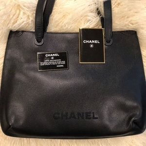 Moving sale! Calfskin leather CHANEL shoulder bag